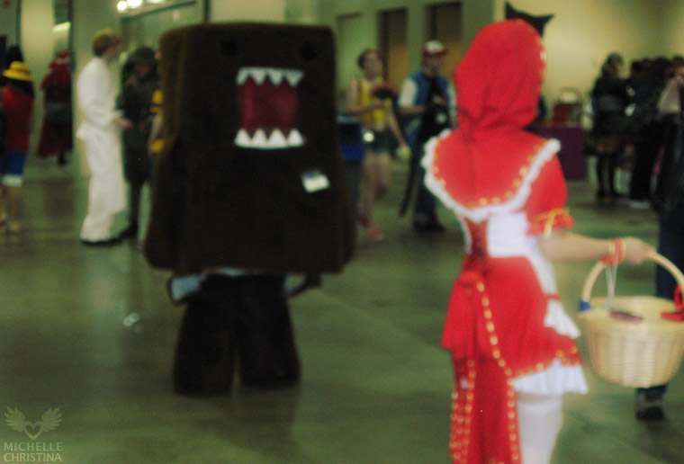 anime boston 2011 - domo versus red riding hood cosplay